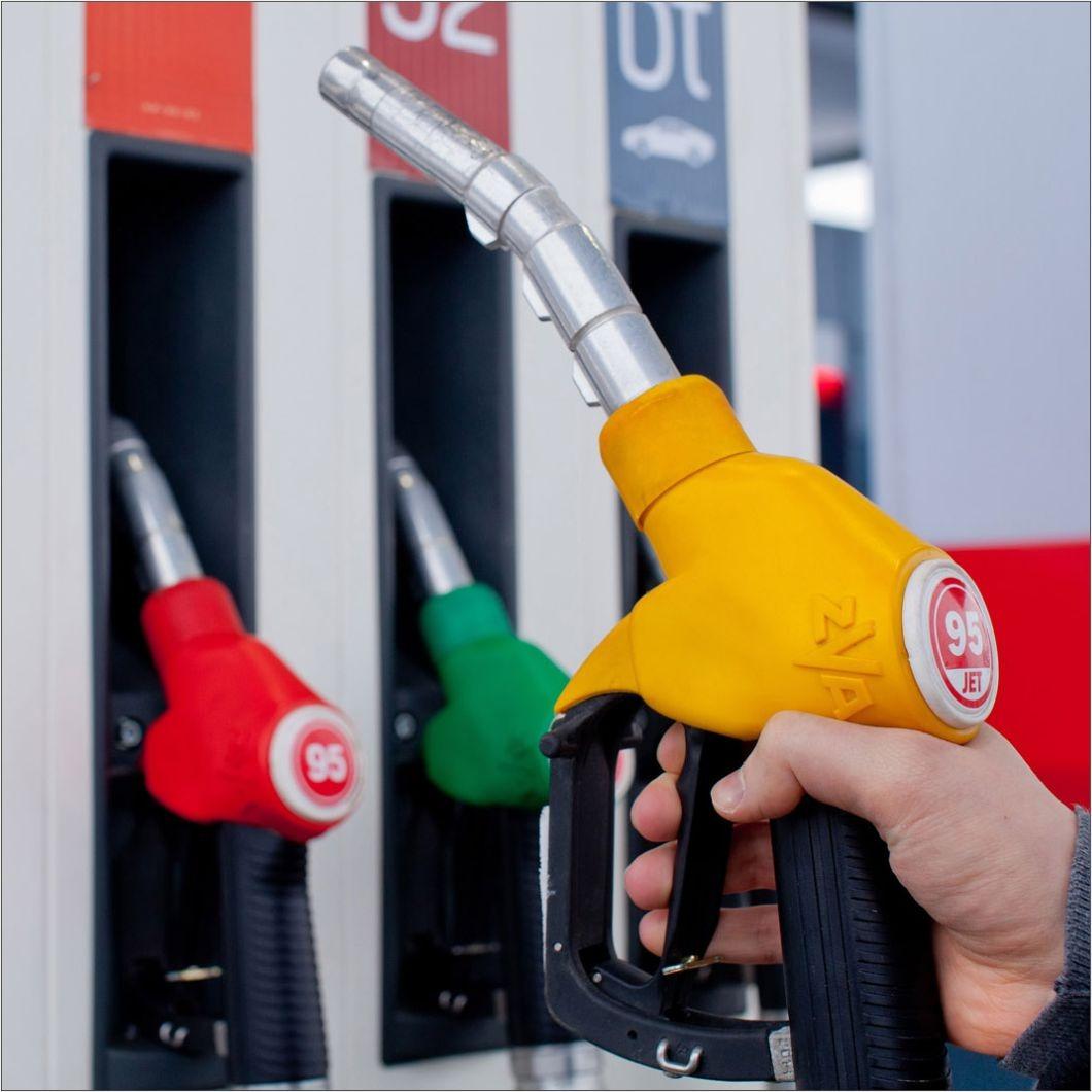 Цены на бензин перестали сдерживать