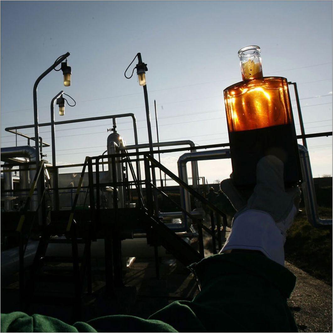 Total и Eni заморозили выплаты за загрязненную нефть, поступавшую в апреле из России