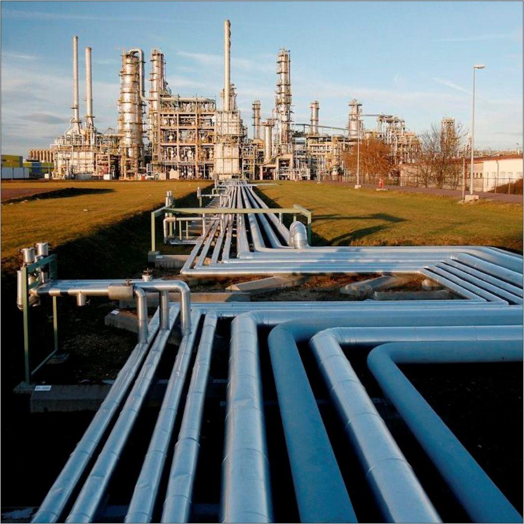 Крупнейший импортер нефтепродуктов на Украине прекращает импорт дизтоплива из России